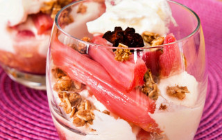 Roast rhubarb and yogurt cups
