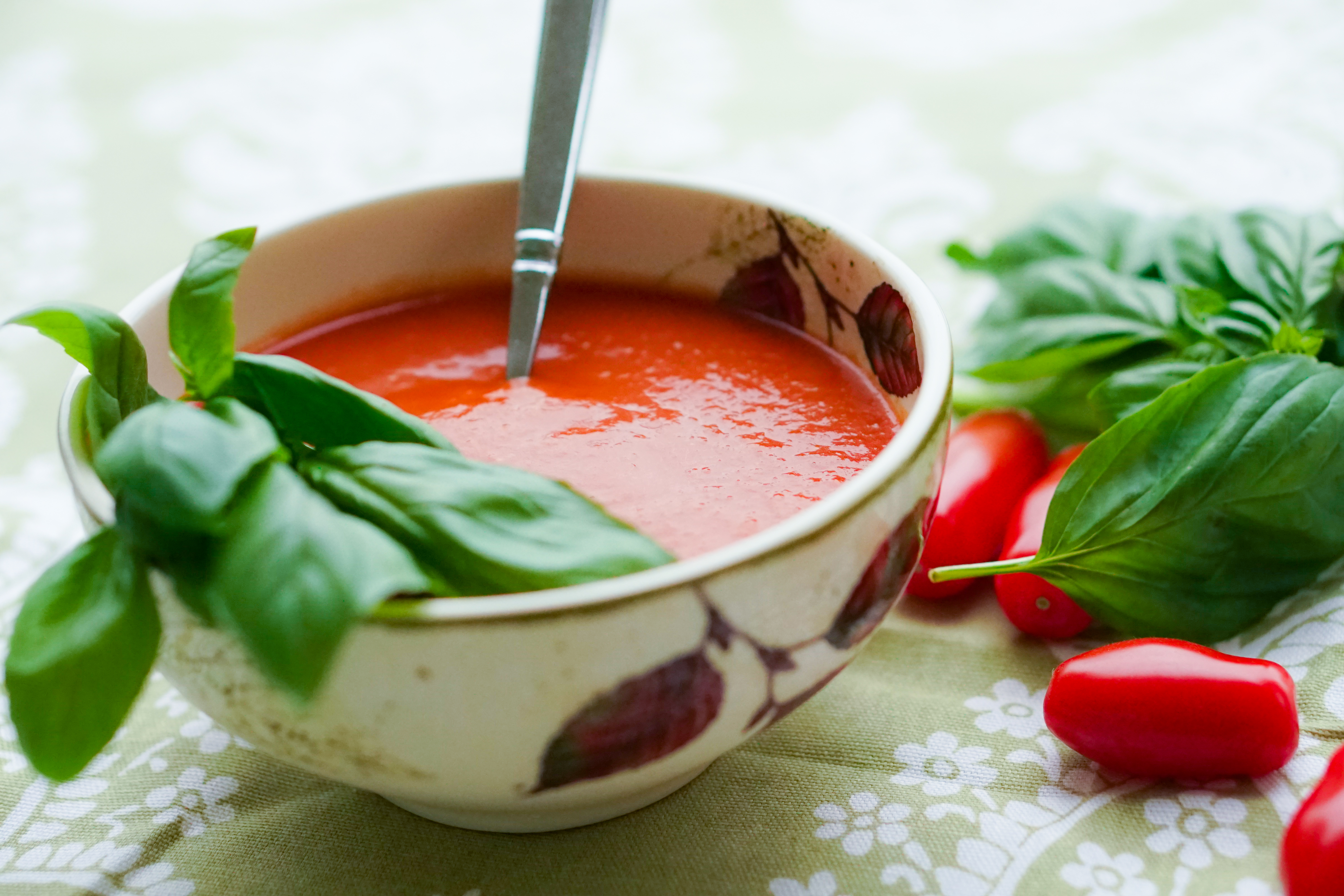 Roasted cherry tomato and basil soup - Lemon Squeezy