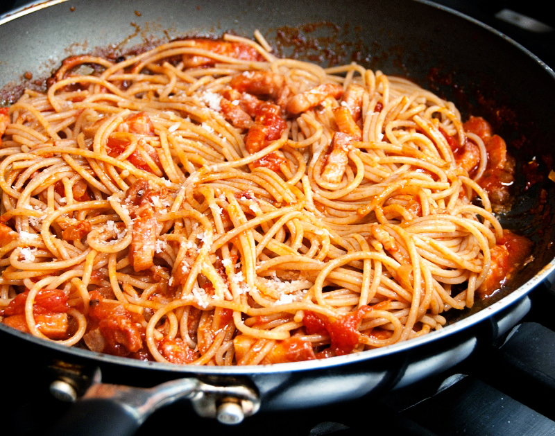Spaghetti all amatriciana - Lemon Squeezy
