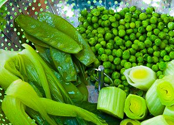 Vegetable medley with lemon and basil dressing