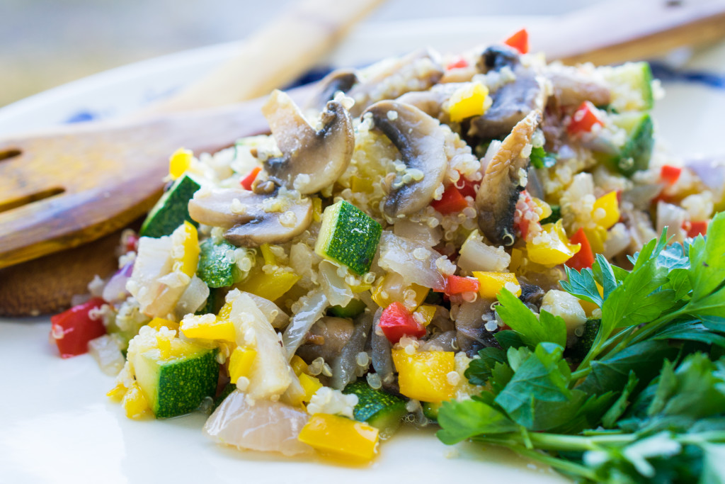 Warm salad of quinoa and summer veggies