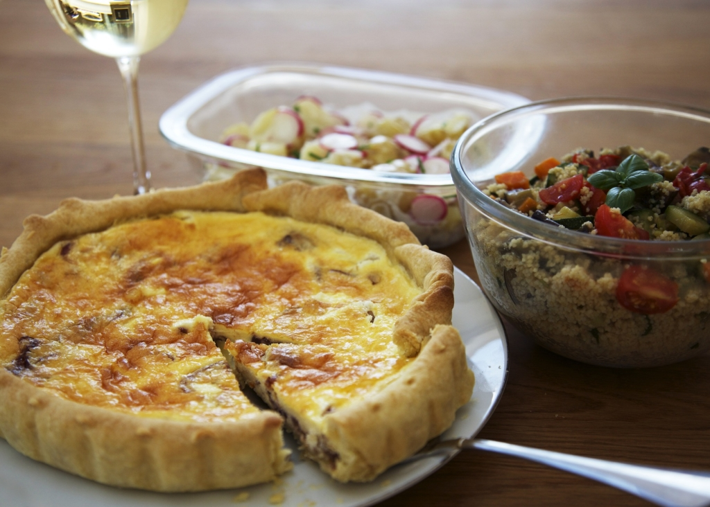 Caramelised onion and goat's cheese quiche