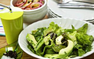 mixed leaves and avocado salad 1