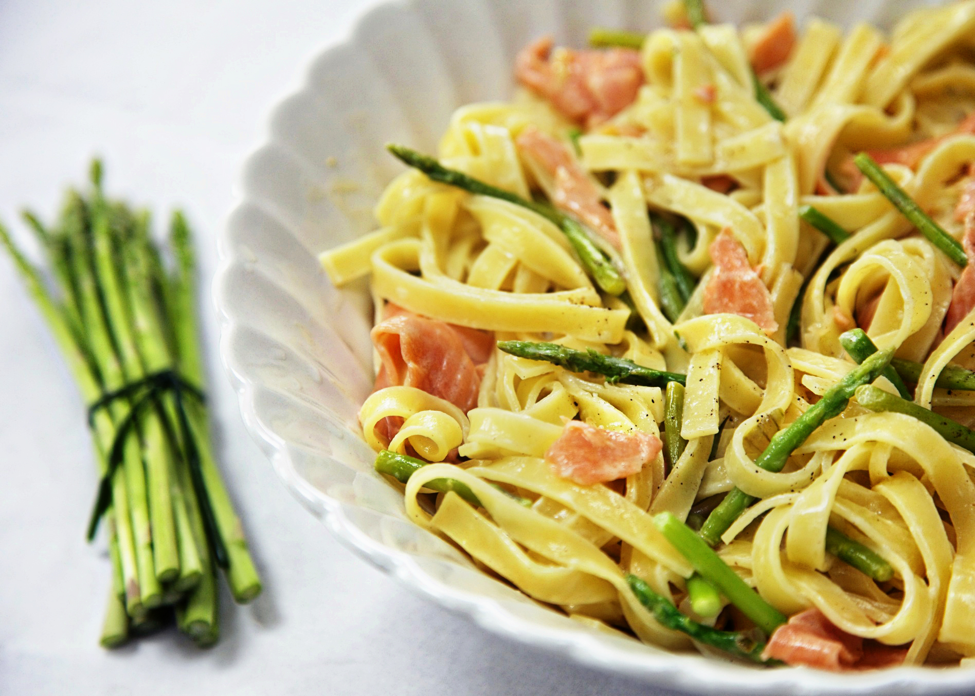 pasta with asparagus and smoked salmon