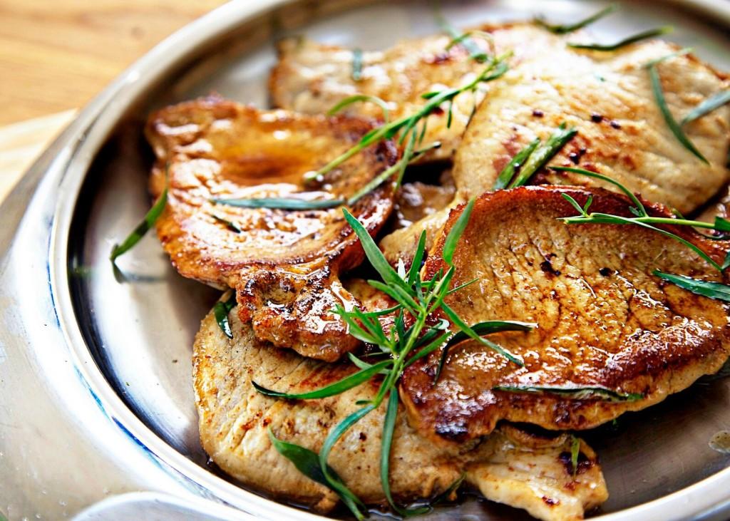 pork escalopes with tarragon and white wine
