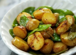 New potatoes with mangetout