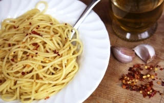spaghetti with garlic and chilli recipe