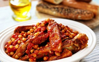 spare ribs and chickpeas in tomato sauce