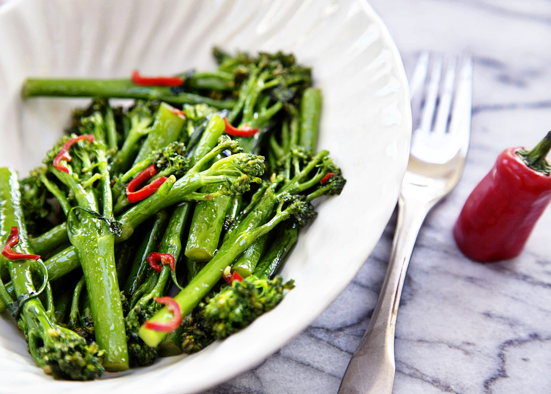 tenderstem broccoli with soy sauce and chilli 1A